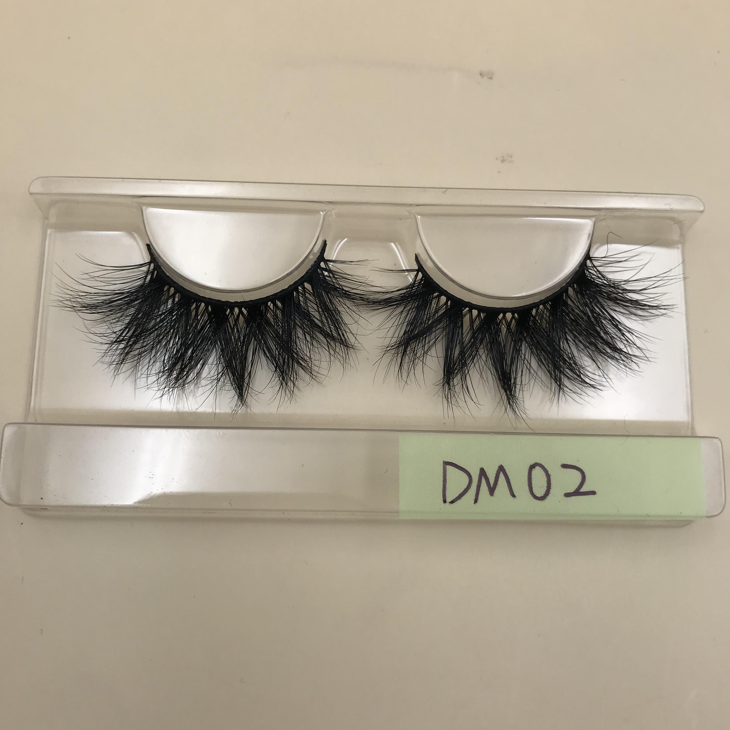 DM02 20mm Mink Lashes