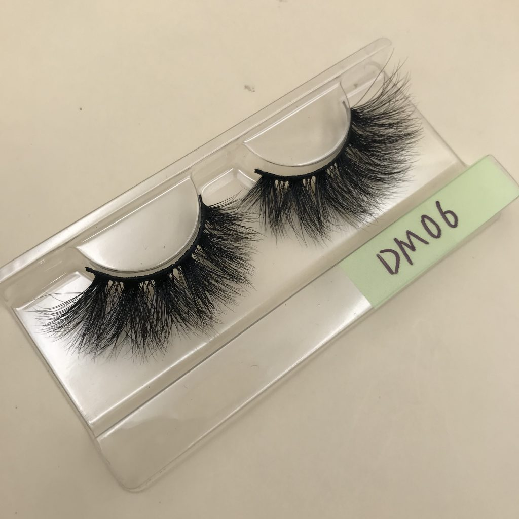 DM06 20mm Mink Lashes