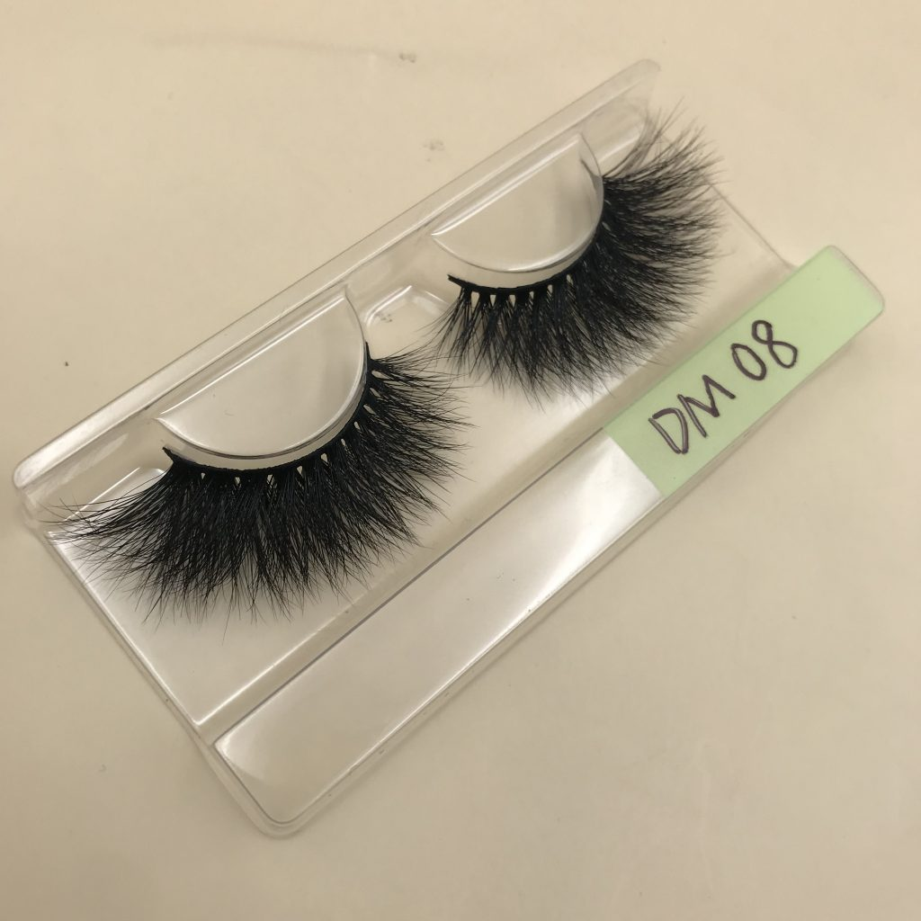 DM08 20mm Mink Lashes